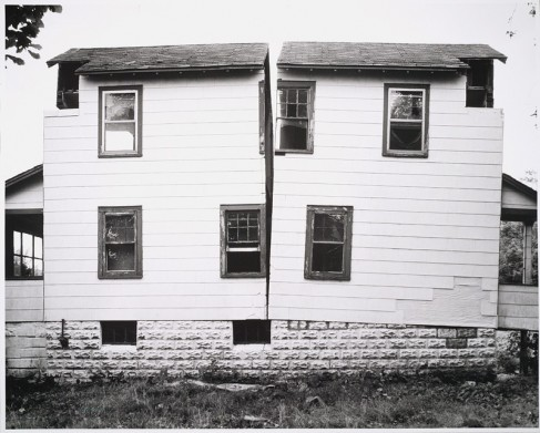 Gordon Matta-Clark, splitting, 1974